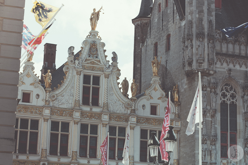 This is a photograph of the 'Bruges, Belgium' article!